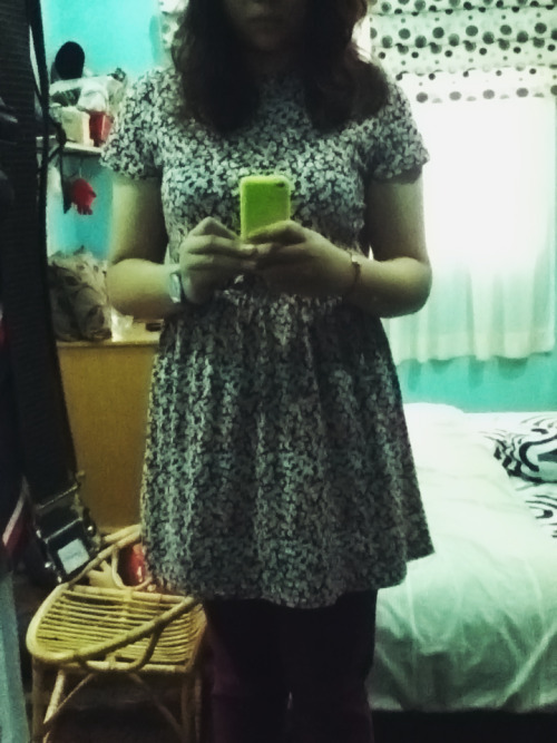 Outfit of the Day.  It has been a while since I last wore a dress.Or my favourite pair of maroon jeggings for that matter.