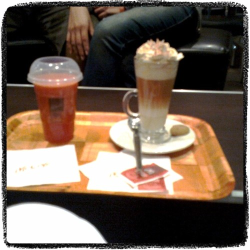 McCafe with friends ^^ (Photo taken and uploaded via MOLOME )