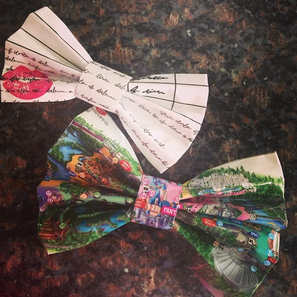 for-everhappy:  My new bows finally came!! They're amazing. Ones made out of an actual Disney park map!! Ahahahh!! #disneyland #paperman #magicalribbons