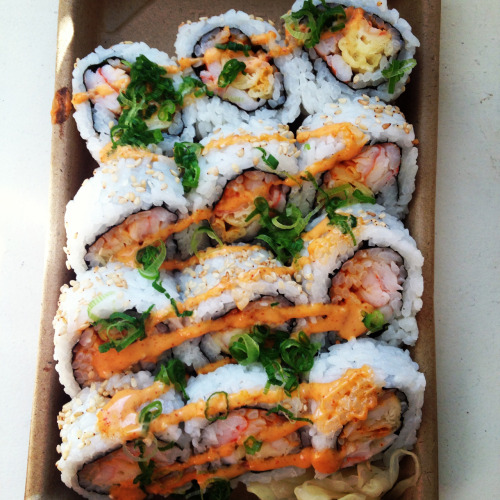 his-k-i-s-s:  SOMEONE GET ME SUSHI