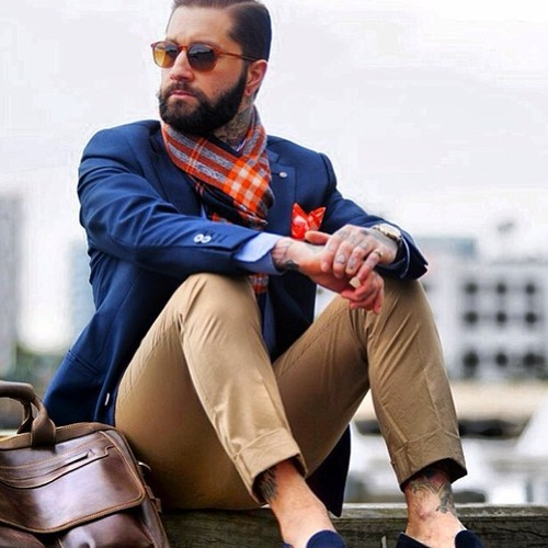 #StylePoint: Perfect mix of Dandyisme & Classic Dress Sense. Embrace Winter as it's the perfect chance to be expressive & to channel your inner parisian quirk like so. http://bit.ly/KDjyDO CSquared Pocket Squares 100% Silk - From R150 Avail Online at Style36.