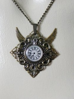 Time fliesby *BlackWings-jewelry