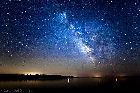 tr4nscending:  Sailing Under the Stars by Joel Sjaarda
