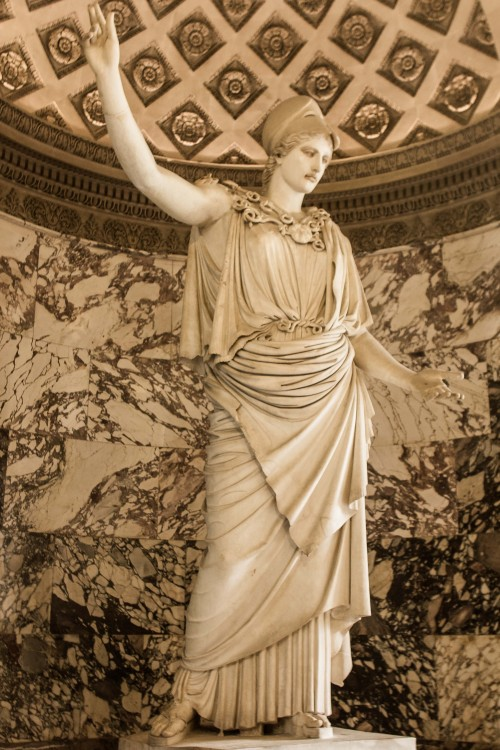 Athena (Pallas de Velletri),the Louvre,Paris, France