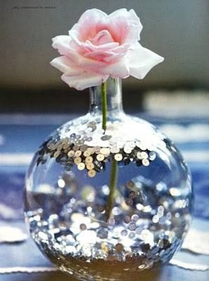 bridalsnob:  Sequins… in water. Budget-friendly centerpiece idea | by Holly Becker