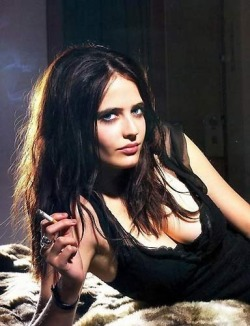 womenonfire:  Eva Green  The image says it all.