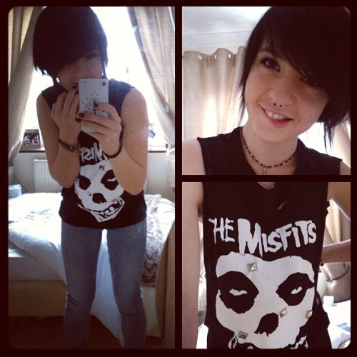 Hi new top =] #fashion #selfie #misfits #bandtop #altgirl #clothing #OOTD #piercings #personal #yay #customised  (at The Shire)