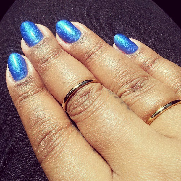 In love with with this electric blue #gelpolish. As someone who doesn't wear plain polish often, I am actually loving this! #nails #nailart #gelnails #naillife