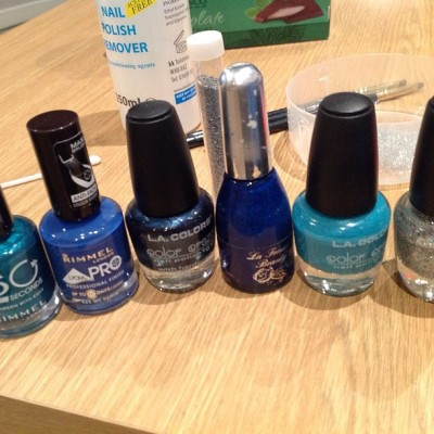 What nail look shall I create today? #nailvarnish #blue