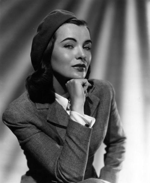 screengoddess:  ELLA RAINES 1949