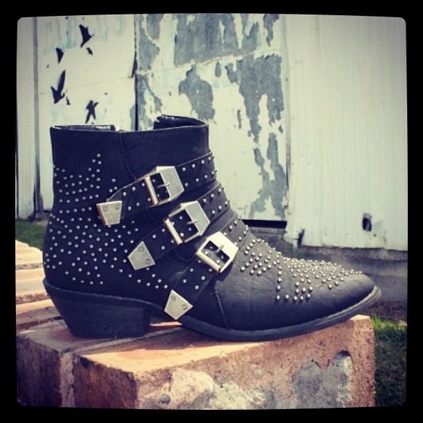 #shoes #boots #studs #ankleboots #pipisboutique #photoshoot #fashion
