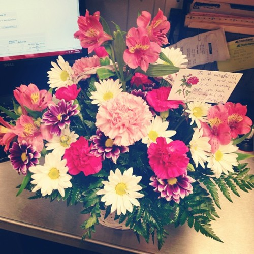 mschelseabelle:  Flowers from my wonderful fiancé, he sure knows how to make my day better. Love him! 💗😊💐 #flowers #delivery #fiancé #work #love