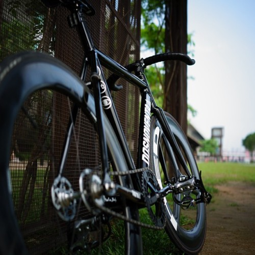 Good Morning! #dosnoventa#houston#hed#curtisodom#enve#njs#sugino#nw#knog#bikeporn#bike#自転車#固定ギア#サイクリング#ピスト#ig_bikes#fixie#fixedgear#fg#fixieporn#life#track#singlespeed#brakeless#bikelife#bicycle#ride#Cycling#sunny#bliesky#park