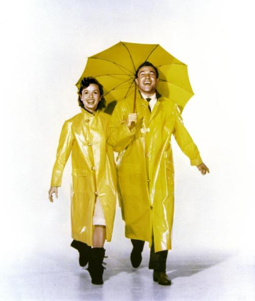 yerneat:  Debbie Reynolds X Gene Kelly //Singing in the Rain.