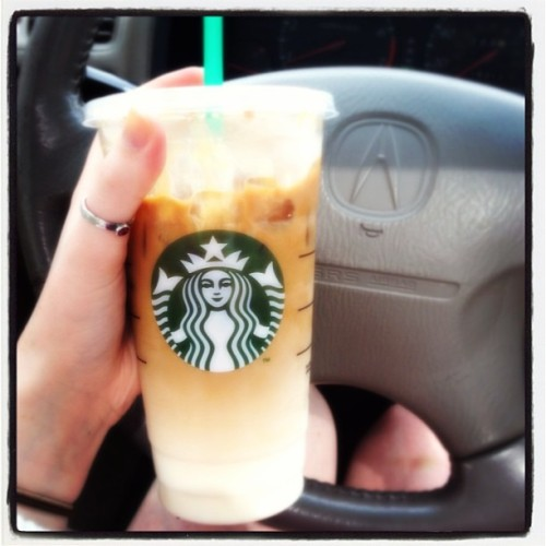 It's been too long, #starbucks #acura #love #coffee #caramelmacchiato #coffeelover #finalsweek #muchneeded #stupidrumors #kaveisstillthebest 💕👌☕☀🎀☺