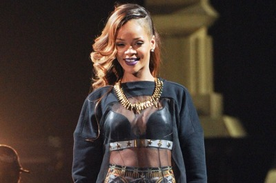 "fuckyeahrihanna:  Rihanna Sweeps R&B Categories At Billboard Music Awards The singer wins three R&B awards and Top Radio Songs Artist. Rihanna sweeps the R&B categories at the Billboard Music Awards taking place in Las Vegas today (March 19). The singer won an award in all three R&B categories — Top R&B Artist, Top R&B Album (""Unapologetic""), Top R&B Song (""Diamonds"") — and separate to R&B, Top Radio Songs Artist. The singer is tied for second most awards of the night with Gotye. She was nominated for 10 awards in total. Rihanna earned her first Billboard 200 No. 1 album in November when ""Unapologetic"" debuted atop the chart, selling 238,000 copies in its first week, according to Nielsen SoundScan. Her album debut came one week after she scored her 12th No. 1 single on the Hot 100 chart with ""Diamonds."" This week, ""Unapologetic"" moves up from No. 6 to No. 5 on the R&B/Hip-Hop Albums chart, re-entering the top five with 15,000 (down 2%). Besides two Texas shows she's rescheduled for November, Rihanna has ended the U.S. leg of her Diamonds World Tour. She'll be performing in Rabat, Morocco for the Mawazine Festival on Friday (May 24) and begin the tour's European leg on May 26 in Bilbao, Spain."