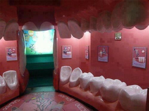 malformalady:  A dental office waiting room that looks like the inside of a mouth, complete with tooth-shaped chairs