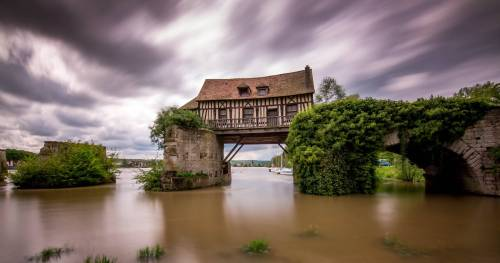 House built across a River, Vernon, France