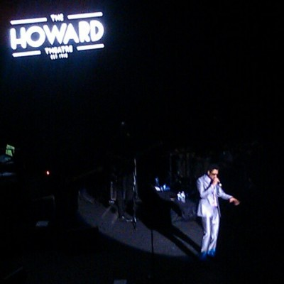 @ericbenet's suit is fitting RIGHT. Lawd have all the mercy. #howardtheatre #livemusic #lovemusic  (at The Howard Theatre)