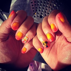 Tropical nails I done to day…, smears on its way 🌞