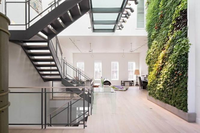 evanrose:  Wall with plants on it (via Real Estate Want: It is spring all year long with this living green wall | BrickUnderground)