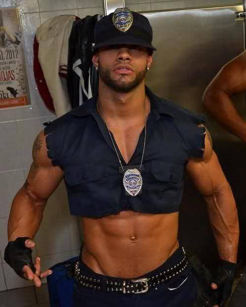 playboydreamz:  WAIT A MINUTE MR. OFFICER!! #TEAMBODY #TEAMFREAK
