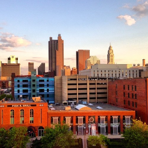 Downtown #Columbus at #sunset. #ohiogram #cityscspe  (at Drury Inn & Suites Convention Center - Columbus, OH)