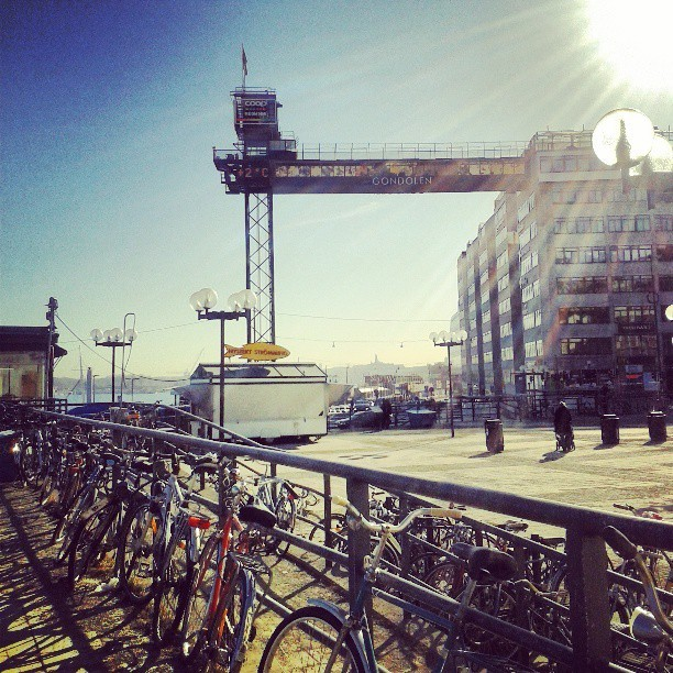 Sunshine from Slussen. #sunlight #sunshine #sun #+2cº #sweden #stockholm #sverige #sky #clouds #slussen #bicycle #light #sweet #weather #söt #väder #photography #photoofmyday  (på/i Slussen T-bana)