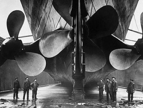 102 years ago tonight the Titanic struck an iceberg and sank less than three hours later. Take a look at this photo series fromRetronauthighlighting the construction of the ship.