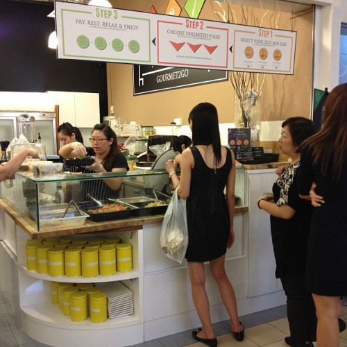 #platypus gourmet2go salads bar! Long line too  #statigram #eyes #throwbackthursday #instacollage #l4l #nice #harrystyles #all_shots #2012 #winter #niallhoran #photooftheday #igers #jj_forum #instagood #selfie #friend #blonde #makeup #ignation #shoutout #water #throwback #zaynmalik #louistomlinson  (at Platypus2Go)