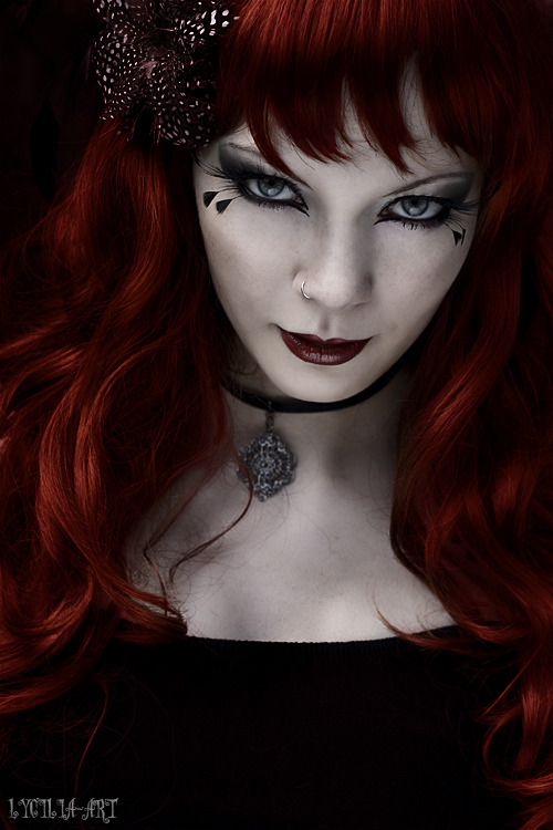 degeneratelowlife:  Devilish by Lycilia