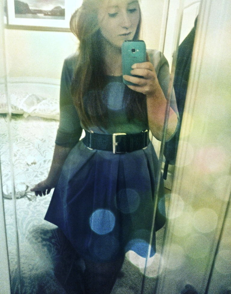 Faffing with effects. J'suis désolée, I still haven't had a chance to wear this dress. :(