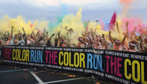 unbohlievable:  Baltimore's first Color Run, 5-11-2013 [source]  so much fun