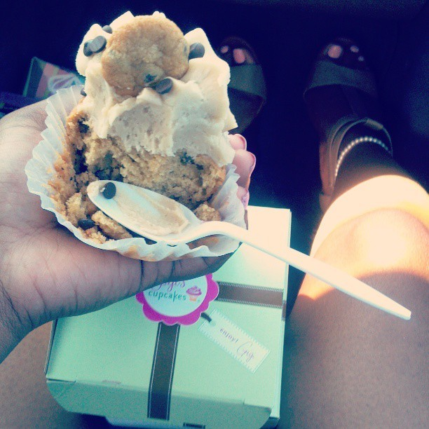 S/o #GigisCupcakes … yes I do eat other peoples cupcakes ^_^