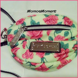 Loving my new Spring/Summer purse by Betsey Johnson 👛❤ #momosmoment #momo #rose #flowers #summer #spring #fashion #style #lookbook #accessory #purse #aotd #potd #fancy #photooftheday #betseyjohnson #vintage