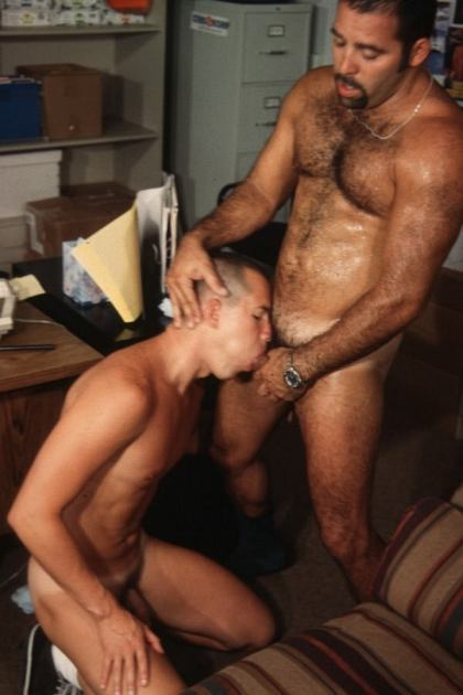 dadincharge:  a boy with a mouthful of Daddy dick