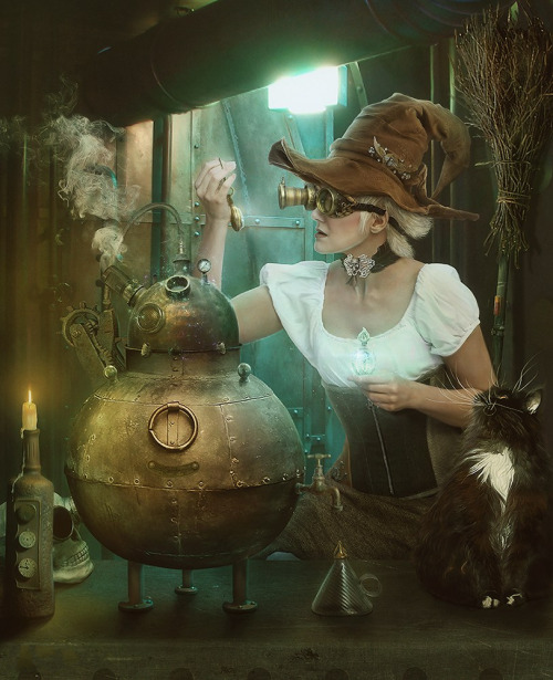 ageeksaga:  ^ Someone stole my cat Stitch and put him in this Steampunk art.