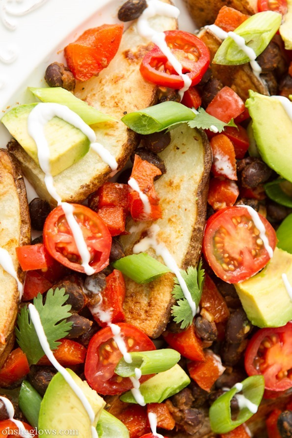 veganrecipecollection:  (via Black Bean and Potato Nacho Plate — Oh She Glows)