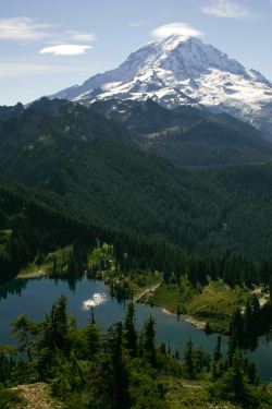 unwrittennature:  Eunice Lake and Mount Rainier (by Lidija Kamansky)