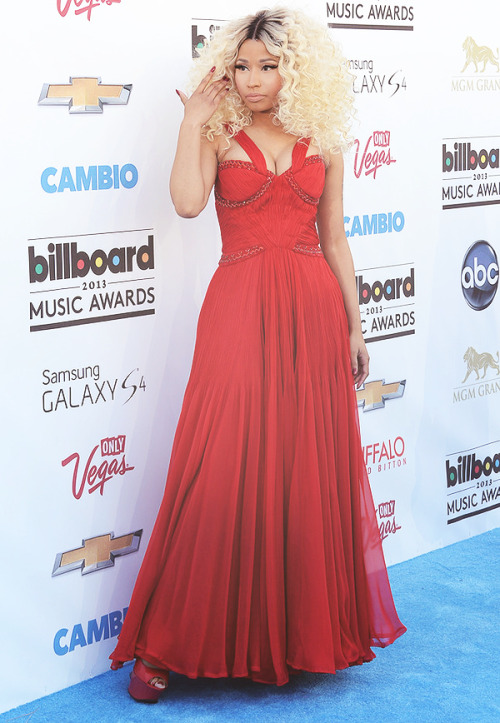 fuckyeahbeyonceminaj:  Nicki Minaj at the 2013 Billboard Music Awards. (5-19-13)