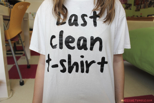 brbcuddlinq:  hazzlur:  ;S  Want that shirt so bad, omg. :P