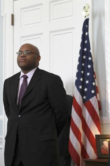 The new Senator from the Commonwealth of Massachusetts, Mo Cowan.   And he tweets.  Here's his back story.