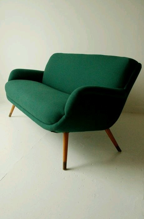 Retro sofa tumblr for Esszimmer sofa modern