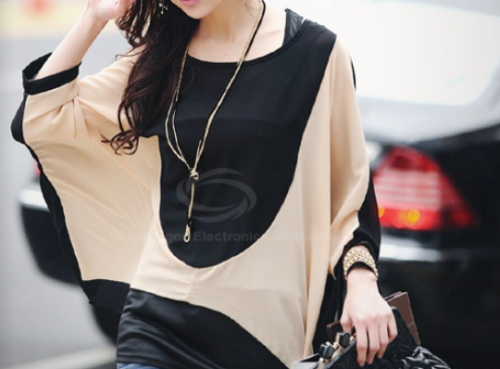 tiaraless:  Loose-Fitting Blouse