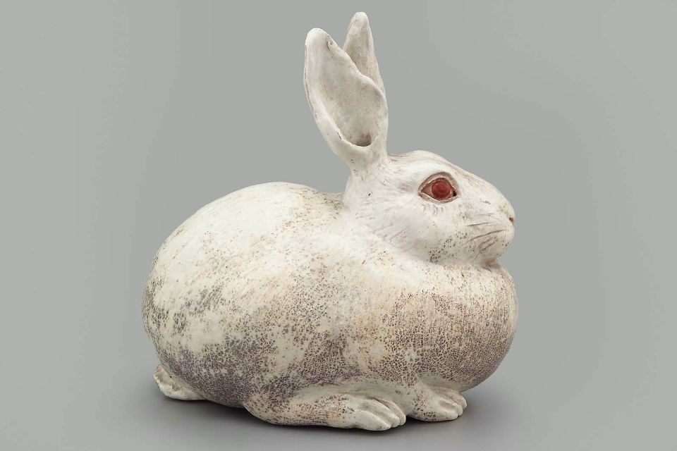 Rabbit paper weight, made in Japan, c.1850 (source) (via aleyma:)