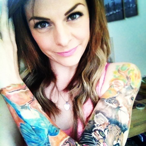 fuckyeahgirlswithtattoos:  Instagram: @sianyoooo All tattoos by Radu Rusu. Instagram: @radurusu