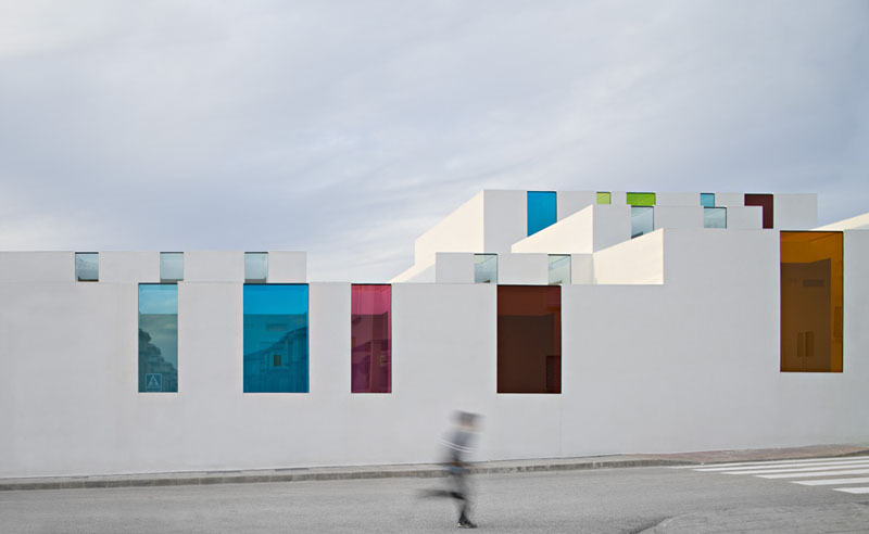 likeafieldmouse:  Alejandro Munoz Miranda - Youth Center, El Chaparral (2010)