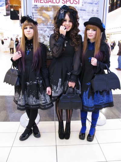 vanillasyndrome:  Little lolita meeting with my girls! Unluckily I came back home early because I 'm sick ;_;
