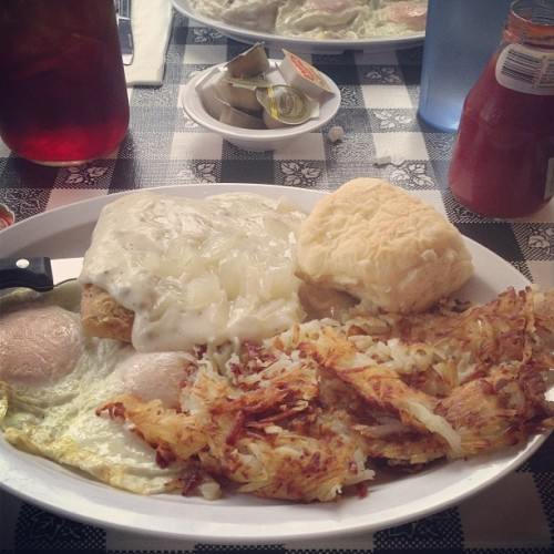 Carpe Diem! #countryfriedsteak (at Southern Kitchen)