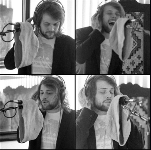 thedannyworsnop Writing vocals on the @weareharlot record.